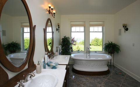 Huronview ensuite bathroom, Durand Construction